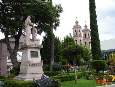 Plaza zaragoza aguascalientes for Jardin villa ale aguascalientes