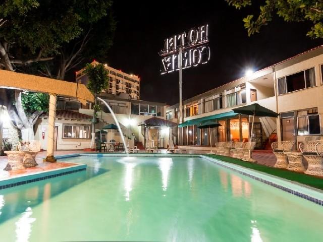 Cortez hotel 4 estrellas ensenada for Piscina climatizada merida
