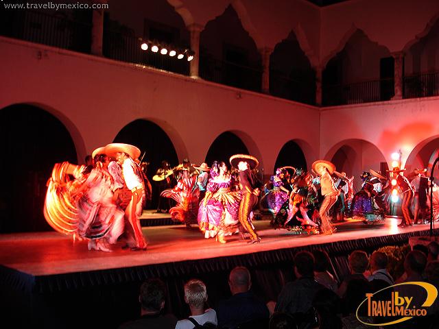 Ballet Folklórico de la UAY