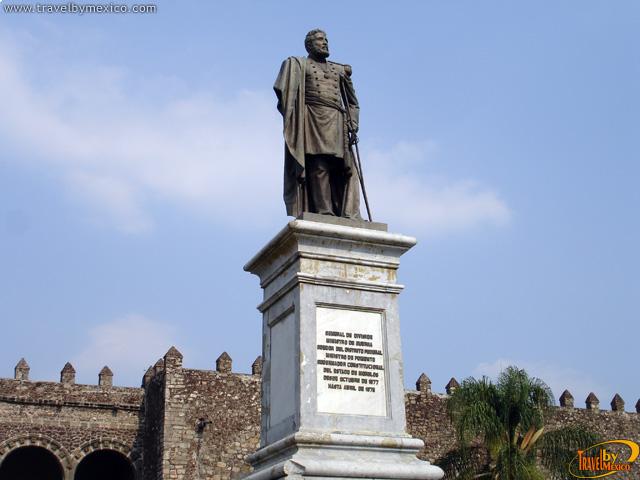 Monumento General Carlos Pacheco Villalobos