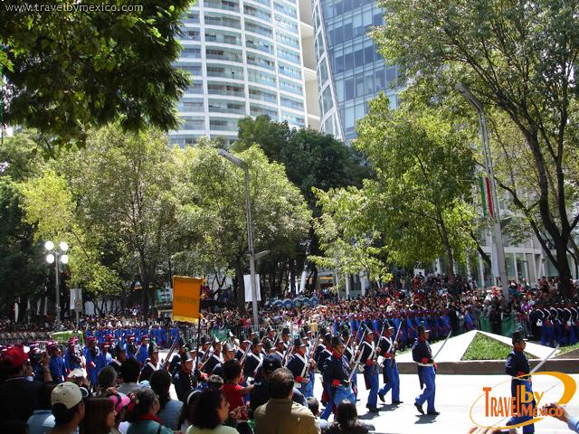 Video Desfile Militar Bicentenario México