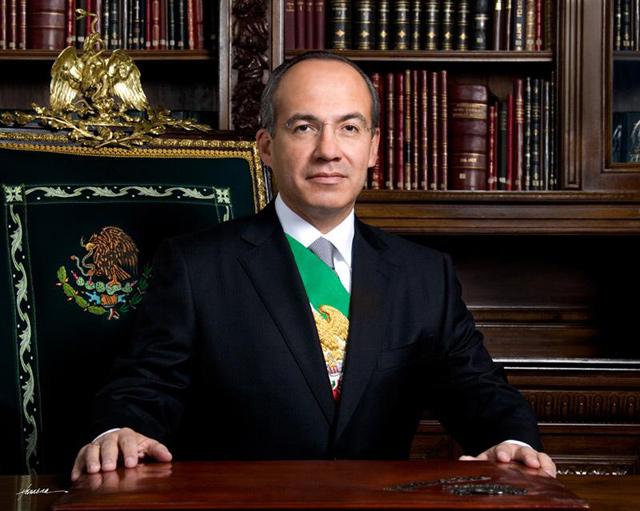 Felipe Calderón dará dos Gritos de Independencia