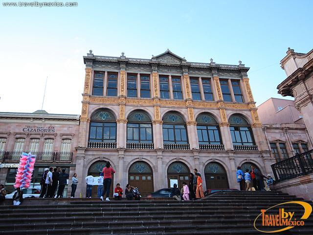 El Teatro Calderón reabre sus puertas al público