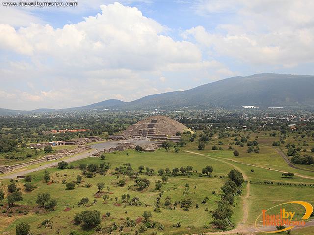 Pirámide de la Luna en Teotihuacan