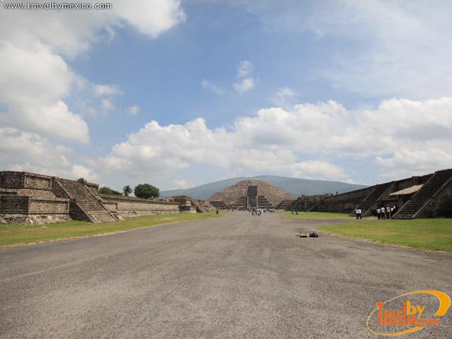 La calzada de los Muertos en Teotihuacan