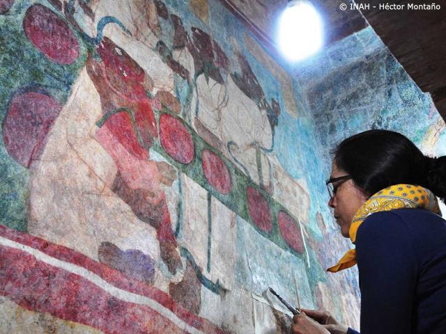 Restauran Murales en la Zona Arqueológica de Bonampak