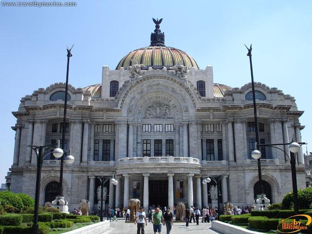 """Bellas Artes te invita """"A las Puertas del Palacio"""""""