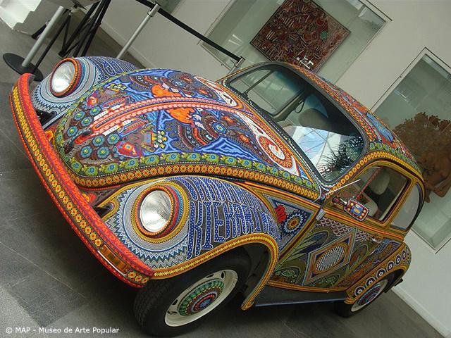 El Vochol, arte Huichol sobre cuatro ruedas