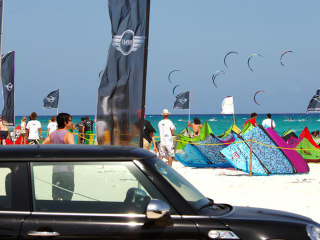 El Mini Kiteboard World Tour 2012 llega a Playa del Carmen