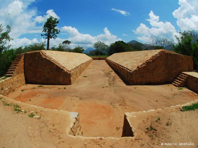 Zona Arqueológica de Tehualco exhibe 10 petrograbados restaurados