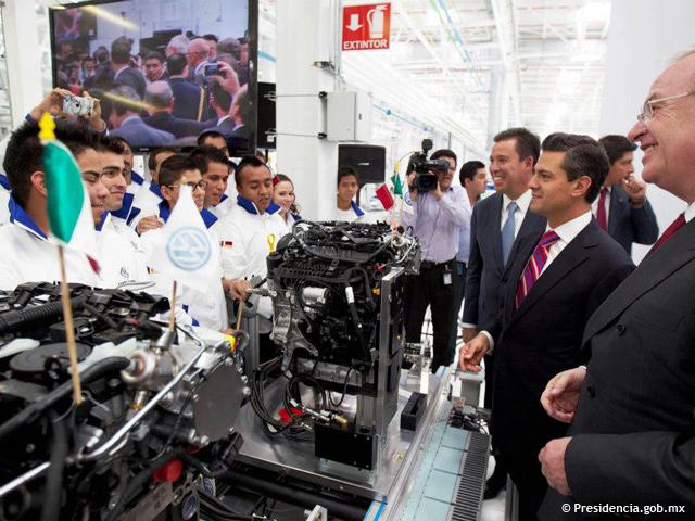 Presidente Peña Nieto inaugura planta Volkswagen en Silao