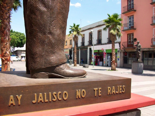La plaza Garibaldi en la ciudad de México el lugar por excelencia para escuchar música tradicional mexicana