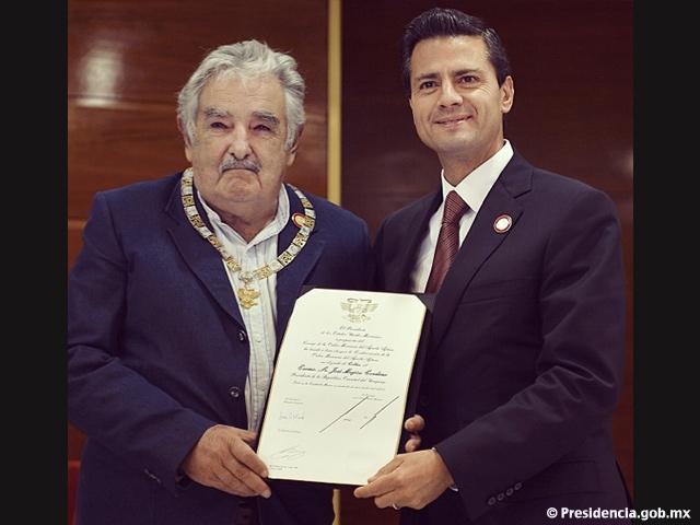 Pdte. Peña Nieto entregó la Orden Mexicana del Águila Azteca al Pdte. José Mujica