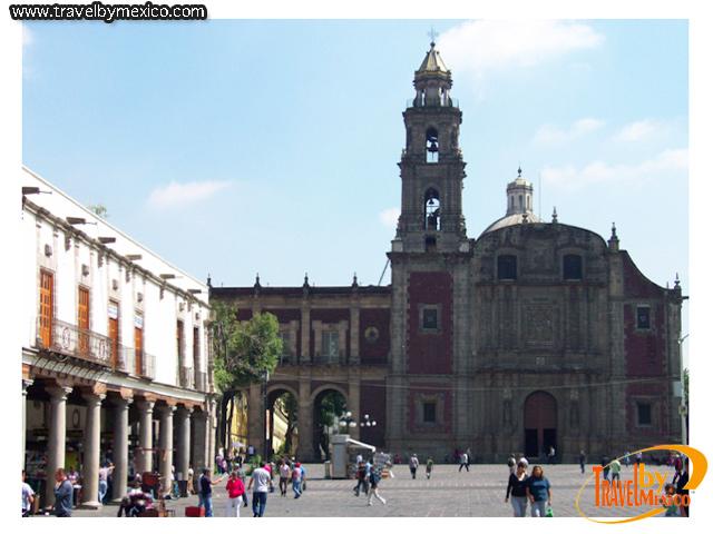 Iglesia de Santo Domingo en el Zócalo de la ciudad de México