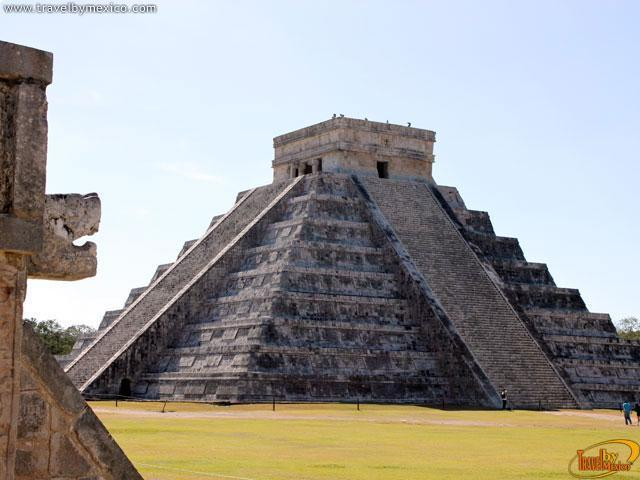 Hallan un cenote bajo la Pirámide de Kukulkan en Chichén Itzá