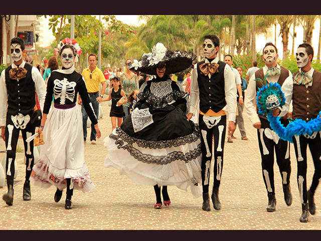 Festival Cultural del Día de Muertos 2015 en Puerto Vallarta