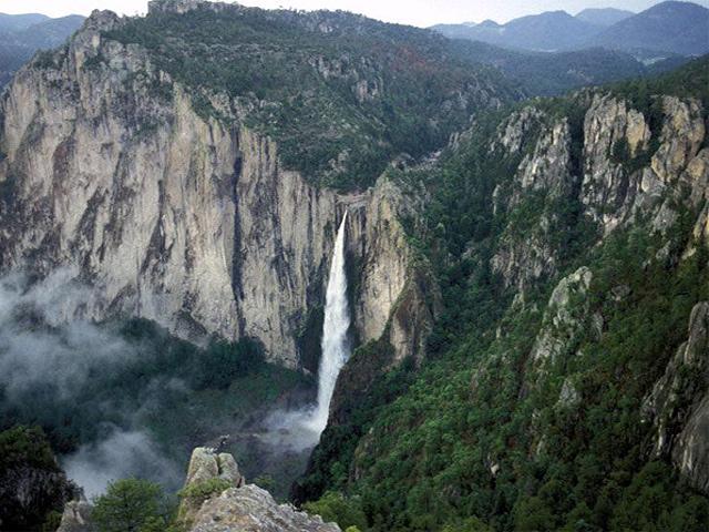 Piedra bolada: la cascada más alta de México