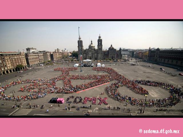 3 mil personas formaron una Bici Monumental en el Zócalo de México