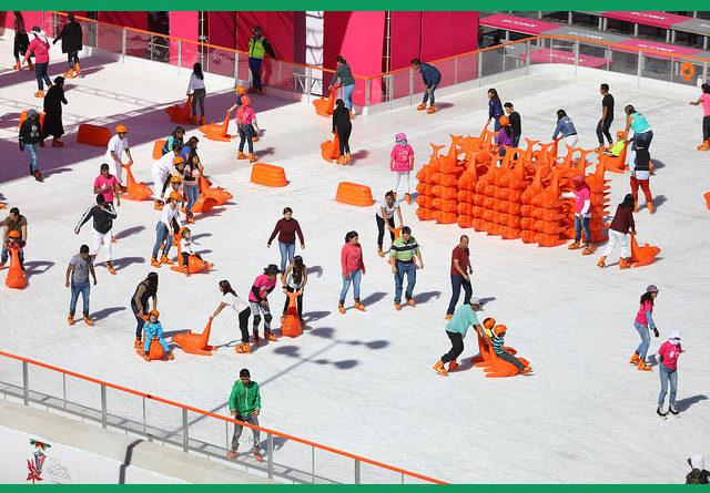 Ven a sentir la Navidad 2016 y divertirte en la monumental Pista de Hielo del Zócalo Capitalino