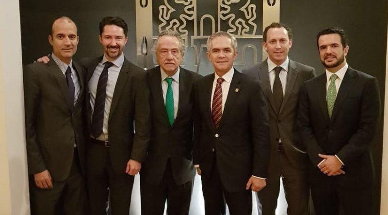 Directivos de la FMF visitaron a Miguel Ángel Mancera para oficializar la candidatura de la Ciudad de México para el Mundial 2026.