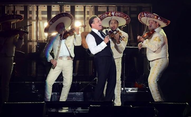 Luis Miguel regresa con un nuevo sencillo acompañado del mariachi Vargas de Tecalitlán.