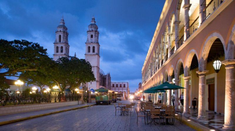 Campeche celebra la vigésima edición del Festival Internacional del Centro Histórico.