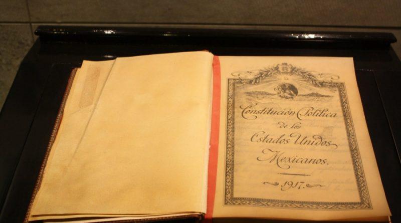 El 5 de febrero se promulgó la Constitución Política de los Estados Unidos Mexicanos.