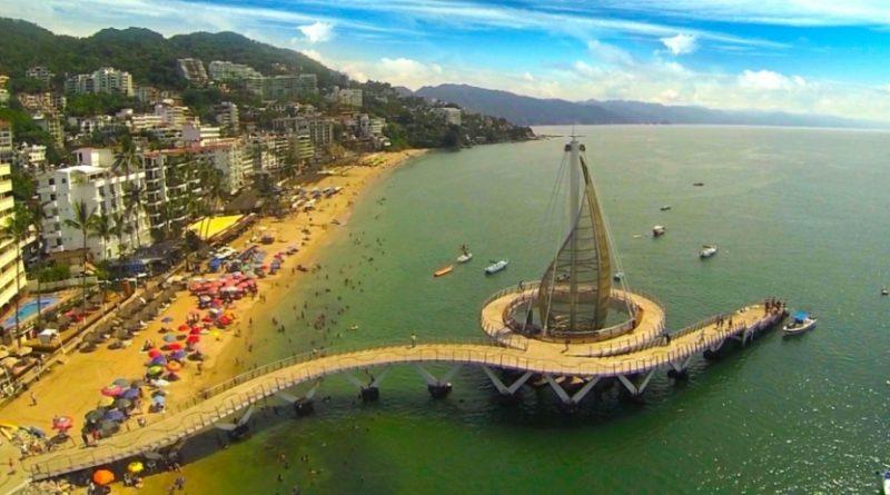 Puerto Vallarta es el tercer destino de playa más importante de México.