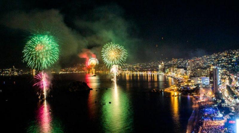 ¡En este mes de las fiestas patrias ven a Acapulco y celebra con sol, playa y diversión!
