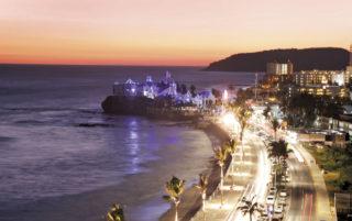 Ven a Mazatlán, el mejor destino de México en The World Travel Awards