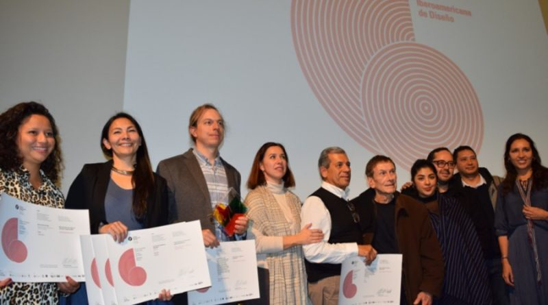 Mexicanos son premiados en la Sexta Bienal Iberoamericana de Diseño.