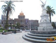 Plaza Manuel Acuña et Théâtre García Carrillo