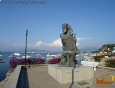 Escultura Pescadora