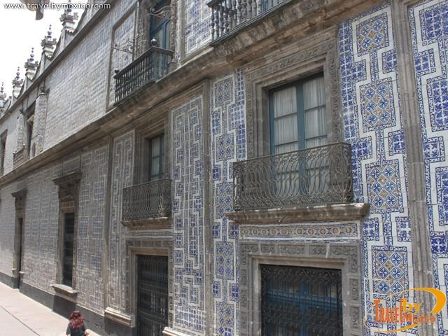 The casa de los azulejos ciudad de m xico for Casa de los azulejos historia