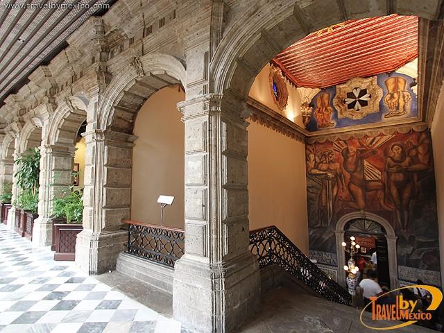 La casa de los azulejos ciudad de m xico travel by m xico for Restaurante azulejos
