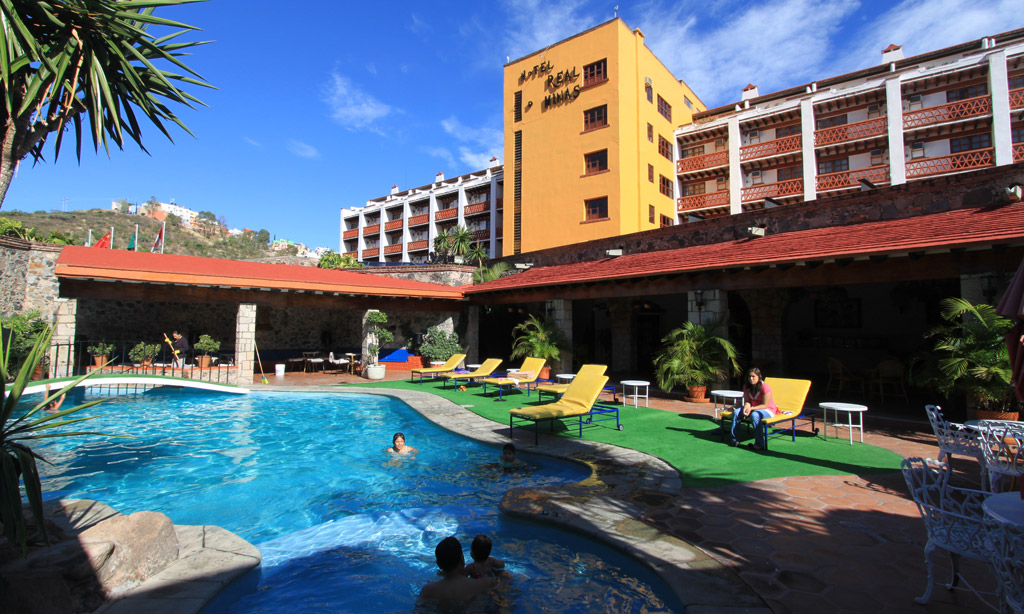 hoteles leon gto:
