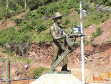 Escultura El Minero