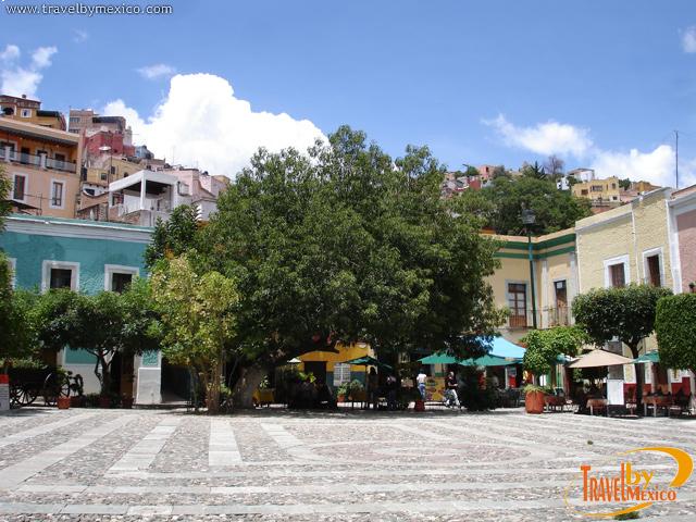 Resultado de imagen para plaza de san fernando guanajuato