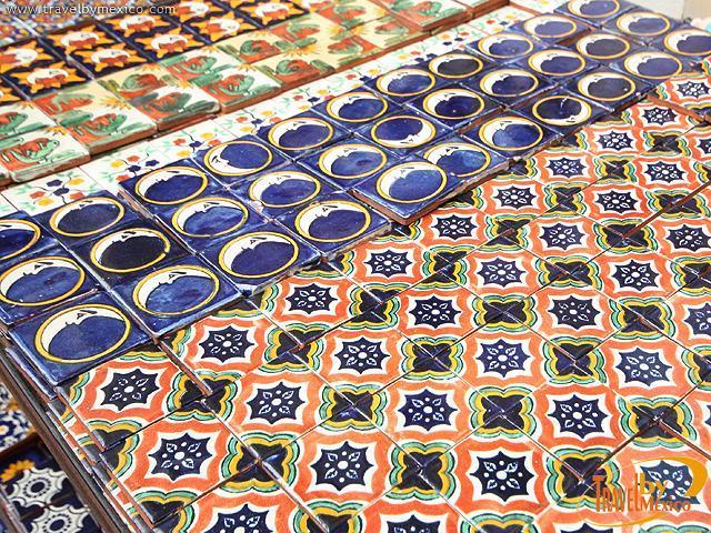 Ceramica artesanal de dolores dolores hidalgo travel by for Azulejos artesanales