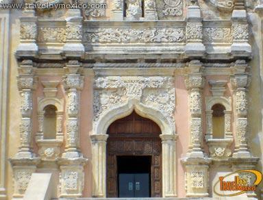 Museo regional de nuevo le n ex obispado monterrey for Sillas para iglesias en monterrey