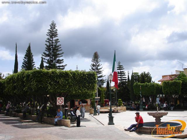 Jard n de los martires z calo ixtapan de la sal travel for Centro de salud ciudad jardin badajoz