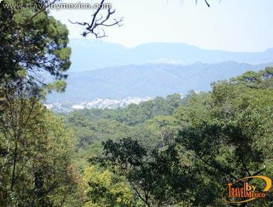 677c600e59 Velo de Novia River and Forest Panoramic view of the town of Valle de Bravo