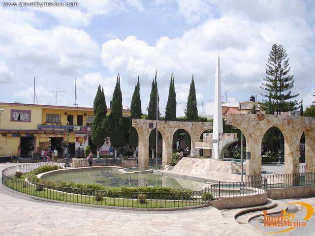 Monumento a los martires ixtapan de la sal travel by m xico for Jardin de sal