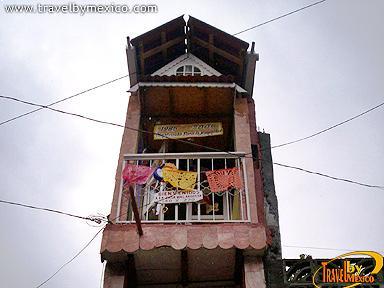 La casa m s angosta del mundo uruapan travel by m xico for Tutto x la casa
