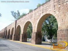 El Acueducto (The Aqueduct)