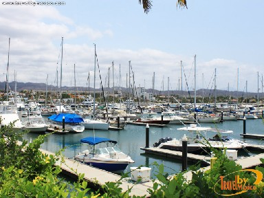 Cruz de Huanacaxtle coastal town and Marina