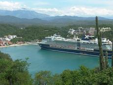 Muelle de Cruceros en la Bahía Santa Cruz