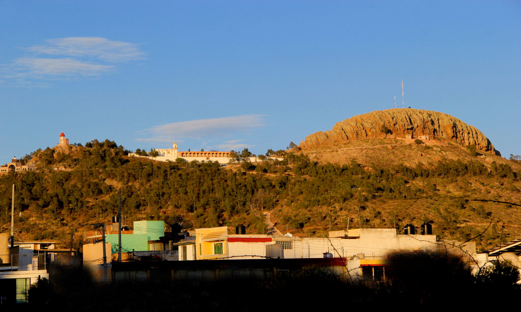 Vista lejana del Cerro de la Bufa