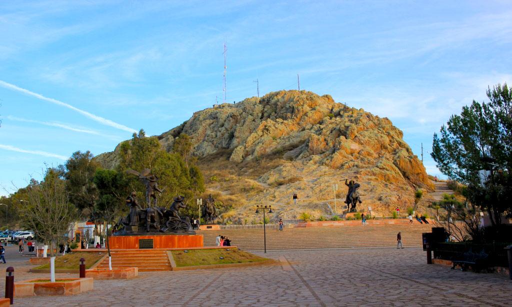Vista de un costado del Cerro de la Bufa